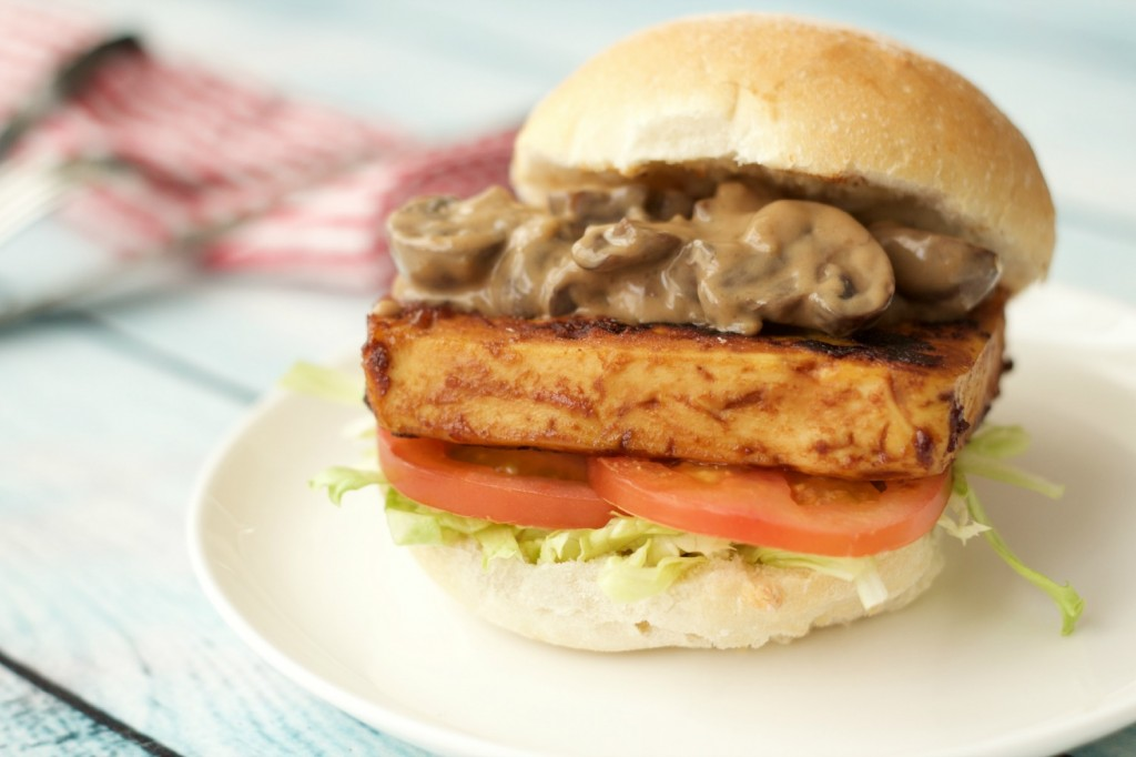 Tofu-Burger-with-Mushroom-Sauce-9